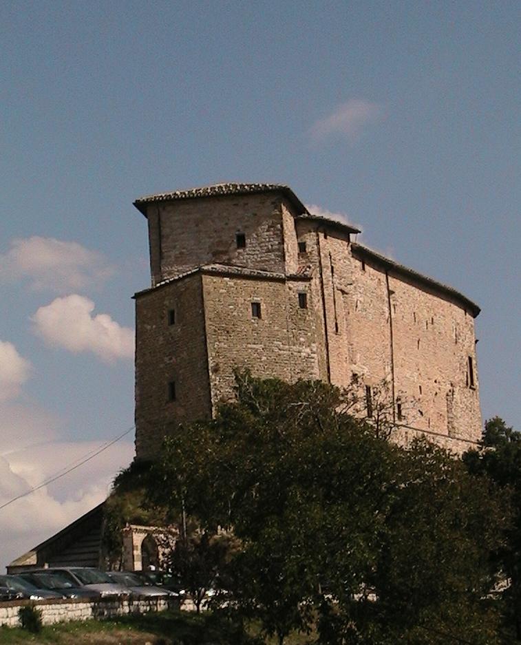 Casa vacanze rocchetta frontone castello for Castello di frontone